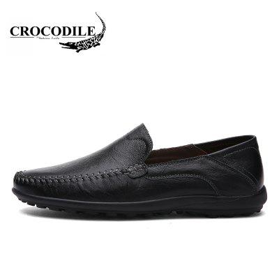 CROCODILE New Leather Doug Casual Shoes 8008Flats &amp; Loafers<br>CROCODILE New Leather Doug Casual Shoes 8008<br><br>Available Size: 38-44<br>Closure Type: Slip-On<br>Embellishment: None<br>Flat Type: Slingbacks<br>Gender: For Men<br>Insole Material: PU<br>Lining Material: Genuine Leather<br>Occasion: Casual<br>Outsole Material: Rubber<br>Package Contents: 1xshoes(pair)<br>Pattern Type: Patchwork<br>Season: Summer, Spring/Fall, Winter<br>Shoe Width: Medium(B/M)<br>Toe Shape: Round Toe<br>Toe Style: Closed Toe<br>Upper Material: Full Grain Leather<br>Weight: 1.9800kg