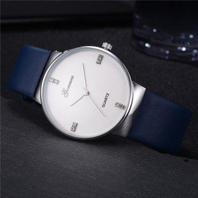 GON052 Men Big Face Analog Quartz Leather Band Wrist Watch with DiamondMens Watches<br>GON052 Men Big Face Analog Quartz Leather Band Wrist Watch with Diamond<br><br>Band material: PU Leather<br>Band size: 24.3 x 2.3 CM<br>Case material: Alloy<br>Clasp type: Pin buckle<br>Dial size: 4.1 x 4.1 x 0.7 CM<br>Display type: Analog<br>Movement type: Quartz watch<br>Package Contents: 1 x Watch<br>Package size (L x W x H): 24.00 x 6.50 x 0.80 cm / 9.45 x 2.56 x 0.31 inches<br>Package weight: 0.0420 kg<br>Product size (L x W x H): 24.30 x 4.10 x 0.70 cm / 9.57 x 1.61 x 0.28 inches<br>Product weight: 0.0400 kg<br>Shape of the dial: Round<br>Watch mirror: Mineral glass<br>Watch style: Retro, Business, Fashion, Casual<br>Watches categories: Men,Male table