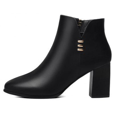 Winter New High Heels Shoes 8002Womens Boots<br>Winter New High Heels Shoes 8002<br><br>Boot Height: Ankle<br>Boot Type: Fashion Boots<br>Closure Type: Zip<br>Gender: For Women<br>Heel Type: Chunky Heel<br>Package Contents: 1 x Shoes pair<br>Pattern Type: Solid<br>Season: Winter<br>Toe Shape: Pointed Toe<br>Upper Material: PU<br>Weight: 1.6896kg