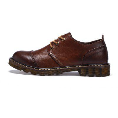 Season Leather Leisure Leather ShoesMen's Oxford<br>Season Leather Leisure Leather Shoes<br><br>Available Size: 41 42 43 44<br>Closure Type: Lace-Up<br>Embellishment: Fur<br>Gender: For Men<br>Outsole Material: Rubber<br>Package Contents: 1xshoes(pair)<br>Pattern Type: Solid<br>Season: Spring/Fall<br>Toe Shape: Round Toe<br>Toe Style: Closed Toe<br>Upper Material: Full Grain Leather<br>Weight: 1.6896kg