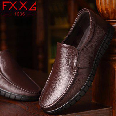 Men Leather Business Casual ShoesMen's Oxford<br>Men Leather Business Casual Shoes<br><br>Available Size: 38?39?40?41?42?43?44?<br>Closure Type: Slip-On<br>Embellishment: None<br>Gender: For Men<br>Outsole Material: Rubber<br>Package Contents: 1xshoes(pair)<br>Pattern Type: Solid<br>Season: Summer, Winter, Spring/Fall<br>Toe Shape: Round Toe<br>Toe Style: Closed Toe<br>Upper Material: Full Grain Leather<br>Weight: 1.5600kg