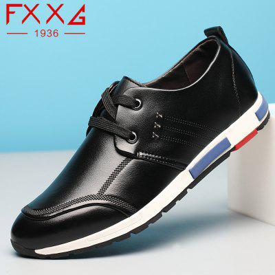 Sports Leisure Leather ShoesMen's Oxford<br>Sports Leisure Leather Shoes<br><br>Available Size: 38?39?40?41?42?43?44<br>Closure Type: Lace-Up<br>Embellishment: Metal<br>Gender: For Men<br>Outsole Material: Rubber<br>Package Contents: 1xshoes(pair)<br>Pattern Type: Solid<br>Season: Summer, Winter, Spring/Fall<br>Toe Shape: Round Toe<br>Toe Style: Closed Toe<br>Upper Material: Microfiber<br>Weight: 1.5600kg