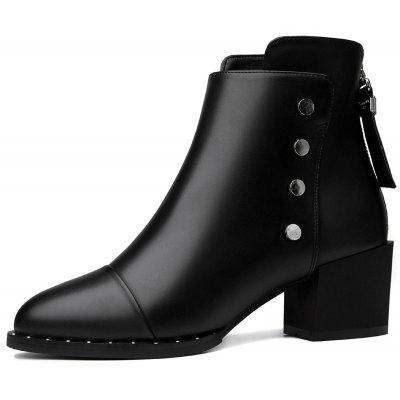 Female Thick and Short Tube Rivet Martin BootsWomens Boots<br>Female Thick and Short Tube Rivet Martin Boots<br><br>Boot Height: Ankle<br>Boot Type: Fashion Boots<br>Closure Type: Zip<br>Gender: For Women<br>Heel Type: Chunky Heel<br>Package Contents: 1x shoes (pair)<br>Pattern Type: Solid<br>Season: Spring/Fall, Winter<br>Toe Shape: Pointed Toe<br>Upper Material: PU<br>Weight: 1.6896kg