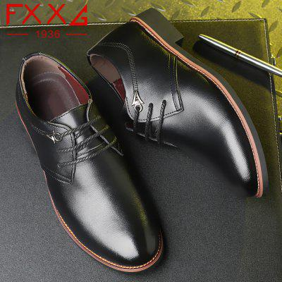 Business Casual Leather ShoesFormal Shoes<br>Business Casual Leather Shoes<br><br>Available Size: 38?39?40?41?42?43?44<br>Closure Type: Lace-Up<br>Embellishment: None<br>Gender: For Men<br>Occasion: Casual<br>Outsole Material: Rubber<br>Package Contents: 1xshoes(pair)<br>Pattern Type: Solid<br>Season: Summer, Winter, Spring/Fall<br>Toe Shape: Round Toe<br>Toe Style: Closed Toe<br>Upper Material: Cow Split<br>Weight: 1.5600kg
