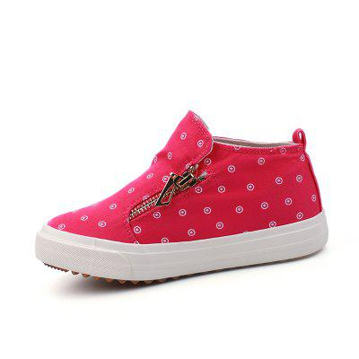 New Female Side Zipper Set Foot Casual Cowboy Canvas ShoesBoys shose<br>New Female Side Zipper Set Foot Casual Cowboy Canvas Shoes<br><br>Available Size: 31-37<br>Closure Type: Slip-On<br>Embellishment: Pattern<br>Gender: Baby Girls<br>Heel Height Range: Low(0.75-1.5)<br>Heel Type: Low Heel<br>Insole Material: Rubber<br>Item Type: Children Casual Shoes<br>Lining Material: Canvas<br>Outsole Material: Rubber<br>Package Contents: 1 x Pair of Shoes<br>Package weight: 0.6500 kg<br>Pattern Type: Round<br>Product weight: 0.6000 kg<br>Seasons: Summer,Winter,Spring/Fall<br>Shoe Width: Medium(B/M)<br>Toe Shape: Round Toe<br>Upper Material: Canvas