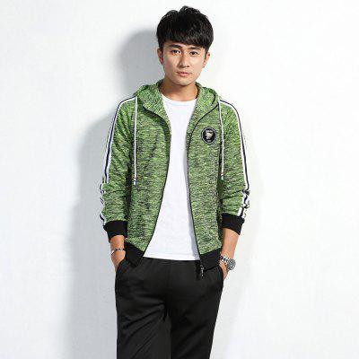Mens Hats Fashion and Leisure Sports SuitSports Clothing<br>Mens Hats Fashion and Leisure Sports Suit<br><br>Material: Polyester, Spandex<br>Package Contents: 1 x  Coat,  1 x Pants<br>Pattern Type: Others<br>TZ908CY: None<br>Weight: 0.8000kg