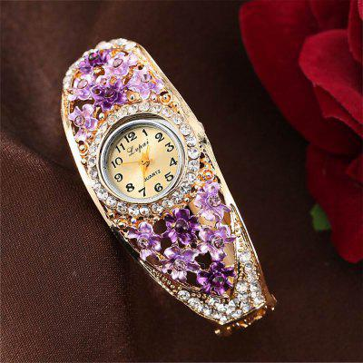 Lvpai P046 Women Unique Flowers Bangle Quartz WatchesWomens Watches<br>Lvpai P046 Women Unique Flowers Bangle Quartz Watches<br><br>Band material: Alloys<br>Band size: 18 x 0.7 cm<br>Case material: Alloy<br>Dial size: 1.8 x 1.8 x 0.7 cm<br>Display type: Analog<br>Movement type: Quartz watch<br>Package Contents: 1 x Watch<br>Package size (L x W x H): 9.00 x 8.50 x 3.00 cm / 3.54 x 3.35 x 1.18 inches<br>Package weight: 0.0350 kg<br>Product size (L x W x H): 18.00 x 1.80 x 0.80 cm / 7.09 x 0.71 x 0.31 inches<br>Product weight: 0.0340 kg<br>Shape of the dial: Round<br>Watch mirror: Mineral glass<br>Watch style: Jewellery, Fashion, Retro, Casual, Cool, Lovely, Childlike, Wristband Style<br>Watches categories: Women,Female table<br>Water resistance: No