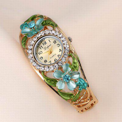 Lvpai P049 Women Unique Flowers Bangle Quartz WatchesWomens Watches<br>Lvpai P049 Women Unique Flowers Bangle Quartz Watches<br><br>Band material: Alloys<br>Band size: 18 x 0.7 cm<br>Case material: Alloy<br>Dial size: 1.8 x 1.8 x 0.7 cm<br>Display type: Analog<br>Movement type: Quartz watch<br>Package Contents: 1 x Watch<br>Package size (L x W x H): 9.00 x 8.50 x 3.00 cm / 3.54 x 3.35 x 1.18 inches<br>Package weight: 0.0390 kg<br>Product size (L x W x H): 18.00 x 1.80 x 0.70 cm / 7.09 x 0.71 x 0.28 inches<br>Product weight: 0.0380 kg<br>Shape of the dial: Round<br>Watch mirror: Mineral glass<br>Watch style: Jewellery, Fashion, Retro, Casual, Cool, Lovely, Childlike, Wristband Style<br>Watches categories: Women,Female table<br>Water resistance: No