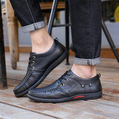 Comfortable Breathable Men Falt Lace-up Solid Leather Causal ShoesMen's Oxford<br>Comfortable Breathable Men Falt Lace-up Solid Leather Causal Shoes<br><br>Available Size: 39,40,41,42,43,44<br>Closure Type: Lace-Up<br>Embellishment: None<br>Gender: For Men<br>Outsole Material: Rubber<br>Package Contents: 1 X Shoes (pair)<br>Pattern Type: Others<br>Season: Summer, Winter, Spring/Fall<br>Toe Shape: Round Toe<br>Toe Style: Closed Toe<br>Upper Material: PU<br>Weight: 0.6000kg