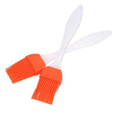 Silicone BBQ Basting Brush Grill Barbecue Seasoning Pastry ToolBBQ<br>Silicone BBQ Basting Brush Grill Barbecue Seasoning Pastry Tool<br><br>Material: Plastic, Silicone<br>Package Contents: 1 x Silicone Basting Brush<br>Package Quantity: 1<br>Package size (L x W x H): 20.00 x 6.00 x 6.00 cm / 7.87 x 2.36 x 2.36 inches<br>Package weight: 0.0100 kg