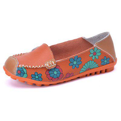 Leather Printing Soft Surface Comfortable Non-slip Flat Shoes for WomenLoafers<br>Leather Printing Soft Surface Comfortable Non-slip Flat Shoes for Women<br><br>Available Size: 35 - 44<br>Closure Type: Slip-On<br>Embellishment: Flowers<br>Gender: For Women<br>Outsole Material: Rubber<br>Package Contents: 1 x Shoes (pair)<br>Pattern Type: Print<br>Season: Summer, Spring/Fall<br>Toe Shape: Round Toe<br>Toe Style: Closed Toe<br>Upper Material: Genuine Leather<br>Weight: 1.0080kg