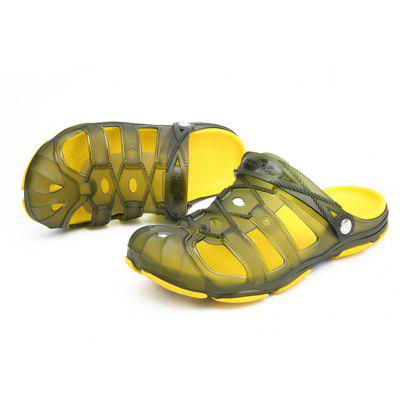 New Front Header Jelly SandalsMens Sandals<br>New Front Header Jelly Sandals<br><br>Available Size: 40-45<br>Closure Type: Slip-On<br>Embellishment: None<br>Gender: For Men<br>Heel Hight: 0.2<br>Occasion: Casual<br>Outsole Material: PVC<br>Package Contents: 1xshoes(pair)<br>Pattern Type: Others<br>Sandals Style: Slides<br>Style: Classics<br>Upper Material: PVC<br>Weight: 1.5840kg