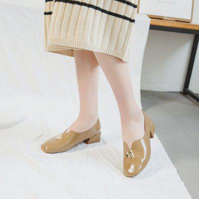 Literary and Artistic Retro Women Single ShoesWomens Oxfords<br>Literary and Artistic Retro Women Single Shoes<br><br>Available Size: 35.36.37.38.39<br>Closure Type: Slip-On<br>Embellishment: Metal<br>Gender: For Women<br>Outsole Material: Rubber<br>Package Contents: 1 x shoes ?pair?<br>Pattern Type: Others<br>Season: Summer, Spring/Fall<br>Toe Shape: Round Toe<br>Toe Style: Closed Toe<br>Upper Material: PU<br>Weight: 1.0800kg
