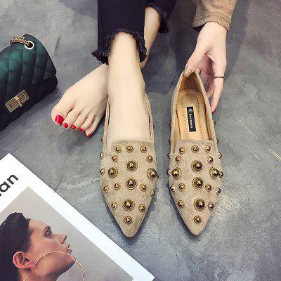 Vogue Rivet Pointed Sole Single ShoeWomens Flats<br>Vogue Rivet Pointed Sole Single Shoe<br><br>Available Size: 35.36.37.38.39<br>Closure Type: Slip-On<br>Embellishment: Rivet<br>Gender: For Women<br>Outsole Material: Rubber<br>Package Contents: 1 x shoes ?pair?<br>Pattern Type: Others<br>Season: Summer, Spring/Fall<br>Toe Shape: Pointed Toe<br>Toe Style: Closed Toe<br>Upper Material: Cotton Fabric<br>Weight: 1.0800kg
