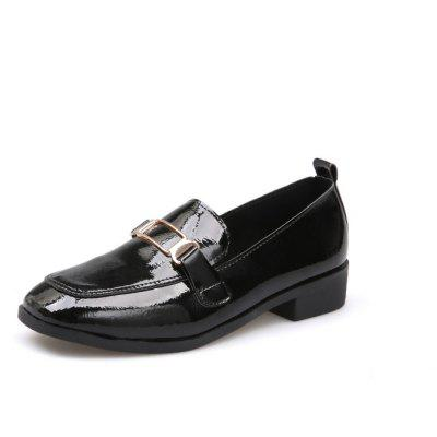 Square Foot Sleeve Metal Decorative Low ShoesWomens Flats<br>Square Foot Sleeve Metal Decorative Low Shoes<br><br>Available Size: 35,36,37,38,39<br>Closure Type: Slip-On<br>Embellishment: Metal<br>Gender: For Women<br>Outsole Material: Rubber<br>Package Contents: 1xShoes pair<br>Pattern Type: Solid<br>Season: Spring/Fall<br>Toe Shape: Square Toe<br>Toe Style: Closed Toe<br>Upper Material: PU<br>Weight: 0.6240kg