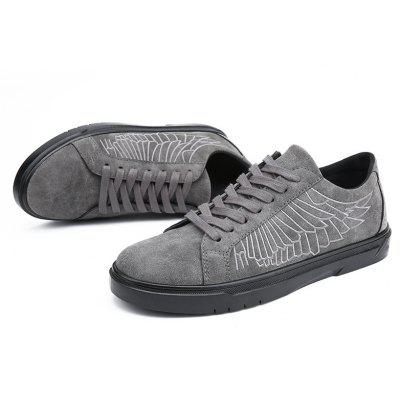 Spring Men Fashion Wings Style Leisure ShoesMen's Sneakers<br>Spring Men Fashion Wings Style Leisure Shoes<br><br>Available Size: 39 40 41 42 43 44<br>Closure Type: Lace-Up<br>Embellishment: Embroidery<br>Gender: For Men<br>Outsole Material: Rubber<br>Package Contents: 1?Shoes(pair)<br>Pattern Type: Others<br>Season: Spring/Fall<br>Toe Shape: Round Toe<br>Toe Style: Closed Toe<br>Upper Material: PU<br>Weight: 1.0200kg