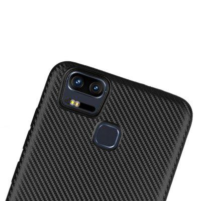 Ultra-slim Carbon Fiber Matte Phone Case for ASUS Zenfone 3 Zoom ZE553KLCases &amp; Leather<br>Ultra-slim Carbon Fiber Matte Phone Case for ASUS Zenfone 3 Zoom ZE553KL<br><br>Color: Black<br>Features: Back Cover, Anti-knock<br>Material: TPU<br>Package Contents: 1 x Case<br>Package size (L x W x H): 20.00 x 12.00 x 1.10 cm / 7.87 x 4.72 x 0.43 inches<br>Package weight: 0.0260 kg<br>Product Size(L x W x H): 15.60 x 7.90 x 1.00 cm / 6.14 x 3.11 x 0.39 inches<br>Product weight: 0.0180 kg<br>Style: Funny, Cool, Solid Color, Novelty, Special Design