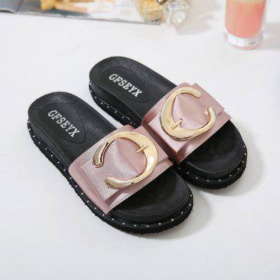 Summer Fashion Leisure Flat SandalsSlippers &amp; Flip-Flops<br>Summer Fashion Leisure Flat Sandals<br><br>Available Size: 35,36,37,38,39,40<br>Embellishment: Buckle<br>Gender: For Women<br>Heel Type: Flat Heel<br>Outsole Material: Rubber<br>Package Contents: 1 x Shoes?Pair?<br>Pattern Type: Others<br>Season: Summer, Spring/Fall<br>Slipper Type: Outdoor<br>Style: Concise<br>Upper Material: PU<br>Weight: 0.8960kg