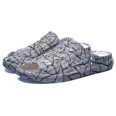 Camo Baotou Hollow Mens SandalsMens Slippers<br>Camo Baotou Hollow Mens Sandals<br><br>Available Size: 40-44<br>Embellishment: None<br>Gender: For Men<br>Outsole Material: Rubber<br>Package Contents: 1xShoes(pair)<br>Pattern Type: Print<br>Season: Summer, Spring/Fall, Winter<br>Slipper Type: Outdoor<br>Style: Fashion<br>Upper Material: Rubber<br>Weight: 1.3640kg