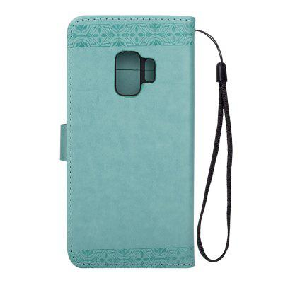 Embossed Wallet Flip PU Leather Card Holder Stand Case for Samsung Galaxy S9Samsung S Series<br>Embossed Wallet Flip PU Leather Card Holder Stand Case for Samsung Galaxy S9<br><br>Features: Full Body Cases, With Credit Card Holder, Anti-knock<br>For: Samsung Mobile Phone<br>Material: PU Leather, TPU<br>Package Contents: 1 x Phone Case<br>Package size (L x W x H): 15.40 x 7.30 x 1.80 cm / 6.06 x 2.87 x 0.71 inches<br>Package weight: 0.0600 kg<br>Product weight: 0.0600 kg<br>Style: Retro, Pattern
