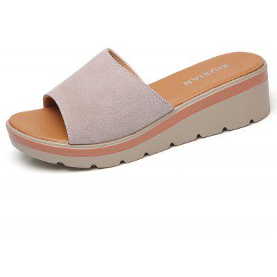 The New Ladies' Casual and Leather Beach Shoes