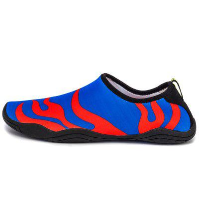 Light Skid and Soft Swimming ShoesFlats &amp; Loafers<br>Light Skid and Soft Swimming Shoes<br><br>Available Size: 28-47<br>Closure Type: Slip-On<br>Feature: Breathable, Anti-slip<br>Gender: Unisex<br>Outsole Material: Rubber<br>Package Contents: 1 x shoes (Pair)<br>Package Size ( L x W x H ): 27.00 x 15.00 x 5.00 cm / 10.63 x 5.91 x 1.97 inches<br>Pattern Type: Striped<br>Season: Summer<br>Type: Casual Shoes<br>Upper Material: Stretch Fabric<br>Weight: 0.4050kg