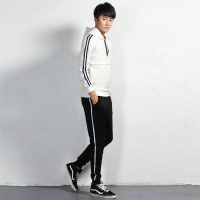 Men Sportswear Suit with Striped EdgesSport Clothing<br>Men Sportswear Suit with Striped Edges<br><br>Elasticity: Micro-elastic<br>Material: Polyester<br>Package Contents: 1 x Sweatshirt 1 x Pants<br>Pattern Type: Others<br>Weight: 0.9500kg