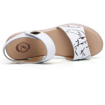Summer New Style Two-Color Bottom Ladies SandalsWomens Sandals<br>Summer New Style Two-Color Bottom Ladies Sandals<br><br>Available Size: 35-40<br>Closure Type: Buckle Strap<br>Gender: For Women<br>Heel Type: Flat Heel<br>Occasion: Casual<br>Package Content: 1 x shoes(pair)<br>Pattern Type: Character<br>Sandals Style: Ankle Strap<br>Style: Fashion<br>Upper Material: Cow Split<br>Weight: 1.2000kg