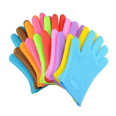 Hot Skid Prevention Opaque Silicone Waterproof Microwave Oven GlovesOther Kitchen Accessories<br>Hot Skid Prevention Opaque Silicone Waterproof Microwave Oven Gloves<br><br>Material: Silicone<br>Package Contents: 1 x Pair of Gloves<br>Package size (L x W x H): 28.00 x 19.00 x 1.50 cm / 11.02 x 7.48 x 0.59 inches<br>Package weight: 0.2480 kg<br>Product size (L x W x H): 27.00 x 18.00 x 0.50 cm / 10.63 x 7.09 x 0.2 inches<br>Product weight: 0.1480 kg<br>Type: Bakeware, Cookware