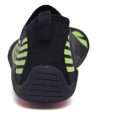 Lightweight Swimming Breathable Shoes Men Beach Shoes Comfort FlatsSneakersMens Sandals<br>Lightweight Swimming Breathable Shoes Men Beach Shoes Comfort FlatsSneakers<br><br>Available Size: 39-46<br>Closure Type: Lace-Up<br>Feature: Breathable<br>Gender: For Men<br>Outsole Material: Rubber<br>Package Contents: 1?Shoes(pair)<br>Package Size(L x W x H): 30.00 x 20.00 x 10.00 cm / 11.81 x 7.87 x 3.94 inches<br>Package weight: 0.4000 kg<br>Pattern Type: Others<br>Product weight: 0.3000 kg<br>Season: Spring/Fall<br>Shoe Width: Medium(B/M)<br>Upper Material: Leather