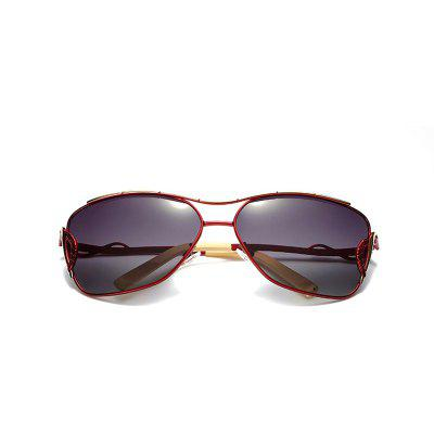 New Fashion Women Glasses Summer Shade SunglassesWomens Sunglasses<br>New Fashion Women Glasses Summer Shade Sunglasses<br><br>Frame material: Alloy<br>Gender: For Women<br>Group: Adult<br>Lens material: Polyurethane<br>Package Contents: 1 x Glasses<br>Package size (L x W x H): 17.00 x 15.00 x 9.00 cm / 6.69 x 5.91 x 3.54 inches<br>Package weight: 0.0500 kg<br>Product size (L x W x H): 16.90 x 14.90 x 8.90 cm / 6.65 x 5.87 x 3.5 inches<br>Product weight: 0.0280 kg<br>Style: Oval