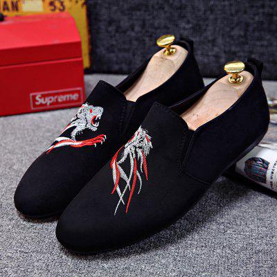 Personality Tiger Head Trend Mens Casual ShoesFlats &amp; Loafers<br>Personality Tiger Head Trend Mens Casual Shoes<br><br>Available Size: 41-44<br>Closure Type: Slip-On<br>Embellishment: Embroidery<br>Gender: For Men<br>Outsole Material: Rubber<br>Package Contents: 1 x shoes(pair)<br>Pattern Type: Animal Prints<br>Season: Summer<br>Toe Shape: Round Toe<br>Toe Style: Closed Toe<br>Upper Material: Cloth<br>Weight: 1.7424kg