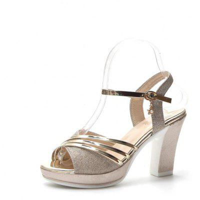 A All-match Toe Buckle Coarse High-heeled Sandals
