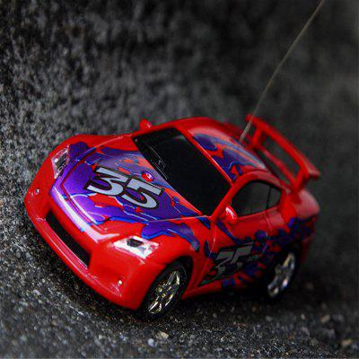1:67 Mini Radio Control Racing Car Childern ToysRC Cars<br>1:67 Mini Radio Control Racing Car Childern Toys<br><br>Age: Above 6 years old<br>Features: Radio Control<br>Package Contents: 1 x Car , 1 x Remote Controller,1 x English Instruction<br>Package size (L x W x H): 8.90 x 8.90 x 8.90 cm / 3.5 x 3.5 x 3.5 inches<br>Package weight: 0.2500 kg<br>Product size (L x W x H): 6.80 x 3.00 x 2.00 cm / 2.68 x 1.18 x 0.79 inches<br>Product weight: 0.1520 kg<br>Remote Control: Radio Control<br>Type: Model Car