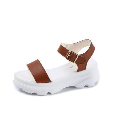 A Muffin Thick Bottom Buckle Slope with Waterproof Sandals