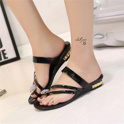 "Flat Bottom Water Drill for Female SlippersSlippers &amp; Flip-Flops<br>Flat Bottom Water Drill for Female Slippers<br><br>Available Size: 35-40<br>Gender: For Women<br>Heel Height: 3<br>Heel Height Range: Low(0.75""-1.5"")<br>Heel Type: Low Heel<br>Package Contents: 1xShoes (pair)<br>Pattern Type: Solid<br>Season: Summer<br>Slipper Type: Outdoor<br>Style: Fashion<br>Upper Material: PU<br>Weight: 0.7280kg"