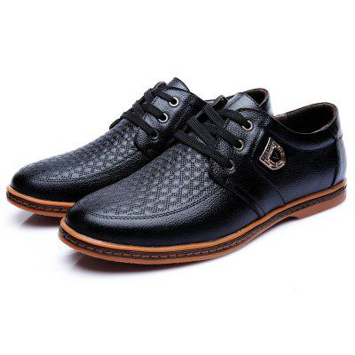 Muhuisen  Comfortable Casual  Men Flats Loafers  Moccasins ShoesMen's Oxford<br>Muhuisen  Comfortable Casual  Men Flats Loafers  Moccasins Shoes<br><br>Brand: MUHUISEN<br>Closure Type: Lace-Up<br>Contents: 1 x Pair of Shoes<br>Function: Slip Resistant<br>Lining Material: PU<br>Materials: Microfiber Leather<br>Occasion: Hotel Uniforms, Outdoor Clothing, Shopping, Office, Daily, Holiday, Dress, Party, Formal, Casual, Tea Party<br>Outsole Material: Rubber<br>Package Size ( L x W x H ): 32.00 x 20.00 x 12.00 cm / 12.6 x 7.87 x 4.72 inches<br>Package weight: 0.9000 kg<br>Pattern Type: Solid<br>Product weight: 0.7000 kg<br>Seasons: Spring,Summer,Winter,Autumn<br>Style: Comfortable, Leisure, Business, Fashion, Formal, Casual<br>Toe Shape: Round Toe<br>Type: Casual Leather Shoes<br>Upper Material: Microfiber Leather
