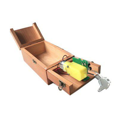 Wooden Useless Box ToyClassic Toys<br>Wooden Useless Box Toy<br><br>Material: Wood<br>Package Contents: 1 x Useless Box<br>Package size (L x W x H): 16.00 x 9.50 x 10.50 cm / 6.3 x 3.74 x 4.13 inches<br>Package weight: 0.3000 kg<br>Product size (L x W x H): 15.00 x 9.00 x 7.00 cm / 5.91 x 3.54 x 2.76 inches<br>Product weight: 0.2600 kg
