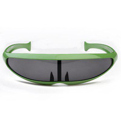 Sense of Science and Technology Personality Laser Laser Men Driving SunglassesCycling Sunglasses<br>Sense of Science and Technology Personality Laser Laser Men Driving Sunglasses<br><br>Ear-stems Length: 115mm<br>Features: Anti-UV<br>Frame Materials: ABS<br>Gender: Unisex<br>Lens height: 42mm<br>Lens material: TAC<br>Lens width: 65mm<br>Nose bridge width: 19mm<br>Package Contents: 1 x Pair of Sunglasses<br>Package Size(L x W x H): 19.00 x 8.00 x 15.00 cm / 7.48 x 3.15 x 5.91 inches<br>Package weight: 0.0450 kg<br>Product Size(L x W x H): 12.00 x 5.00 x 18.00 cm / 4.72 x 1.97 x 7.09 inches<br>Product weight: 0.0300 kg<br>Suitable for: Cycling, Camping, Mountaineering<br>Type: Goggle