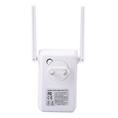 EU 300M Dual Flat Antenna  Network Wireless Router RepeaterNetworking Accessories<br>EU 300M Dual Flat Antenna  Network Wireless Router Repeater<br><br>Interface: Power Input<br>Package size: 10.00 x 6.00 x 20.00 cm / 3.94 x 2.36 x 7.87 inches<br>Package weight: 0.1500 kg<br>Packing List: 1 x Wireless-N Repeater,  1 x RJ45 Networking Cable,  1 x English Installation Guide.<br>Product size: 7.50 x 6.80 x 2.50 cm / 2.95 x 2.68 x 0.98 inches<br>Product weight: 0.1150 kg<br>Type: Repeater