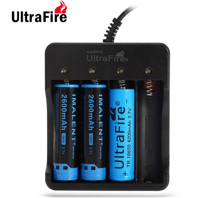 UltraFire HD - 077B 18650 Battery 4 Slot Charger AC 100 - 240V European Regulation