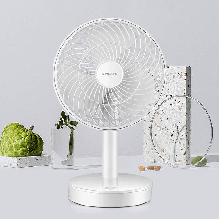 Portable Spray Small Clip Desktop Fan USB Shaking Head Humidifying Fans Suitable for Office Outdoor Student Gifts