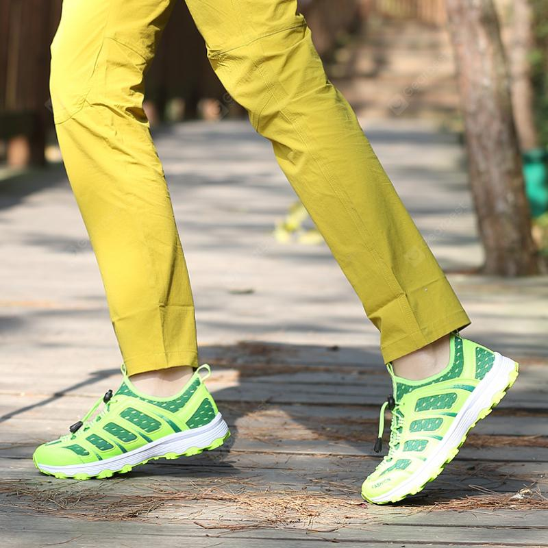 Male Breathable Mesh Sports Shoes