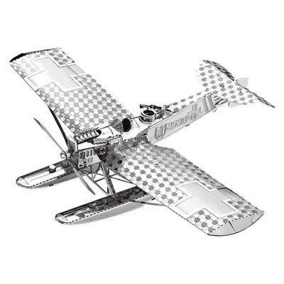 Model 3D Metal Fighter pasuje do dzieci