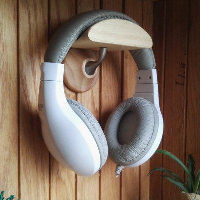Solid Wood Earphone Frame Head-mounted Hook Wall Display Holder