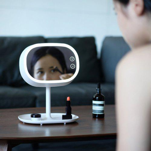 Beautiful Makeup Mirror Lamp