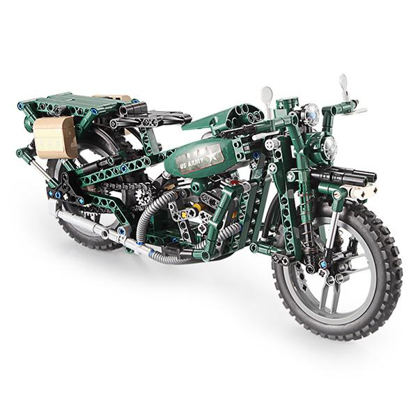 CaDA Two Wheeled Motorcycle Block Toy - MEDIUM FOREST GREEN