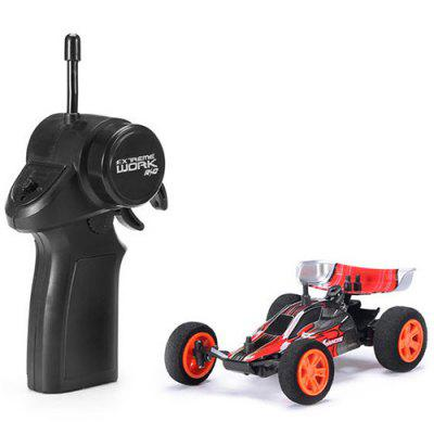 1/32 2.4G Racing Multilayer em Paralelo Operar Carregamento USB RC Car