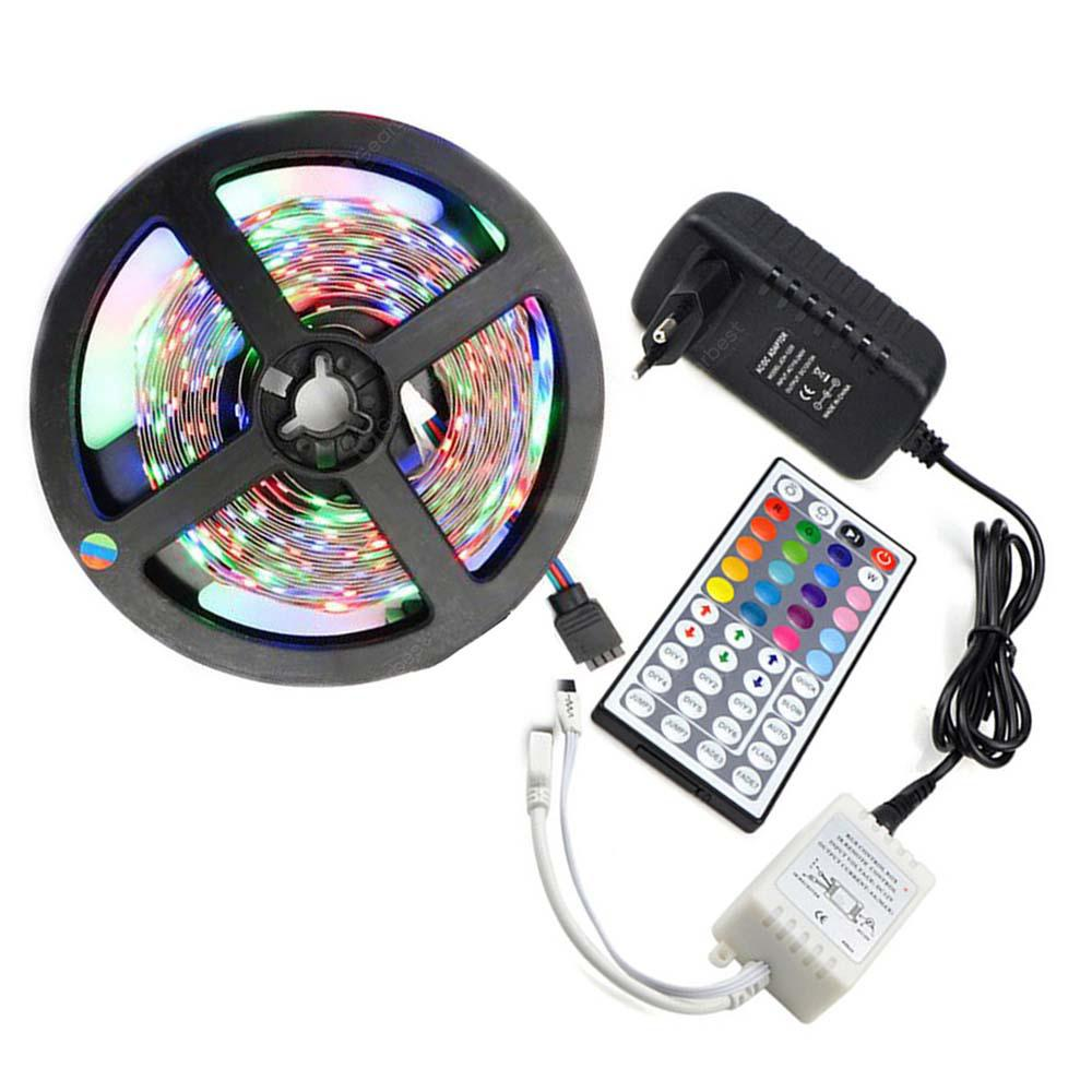 Led Strip Lights Kit 3528 5M 300leds RGB 60leds / m 44key Ir Controller e 3A Alimentação AC100-240V