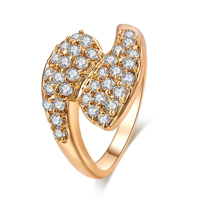 Fashion Micro-inlaid with Luxurious Dislocation of Zircon Ring J0350